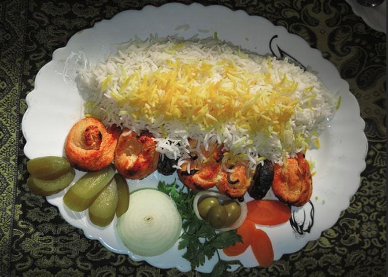 traditional food malek o tojjar restaurant yazd