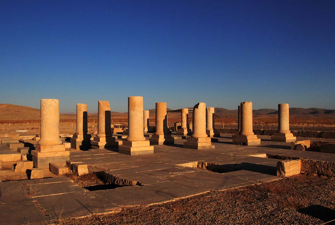 Iran small group tours Pasargad easy go iran travel agency