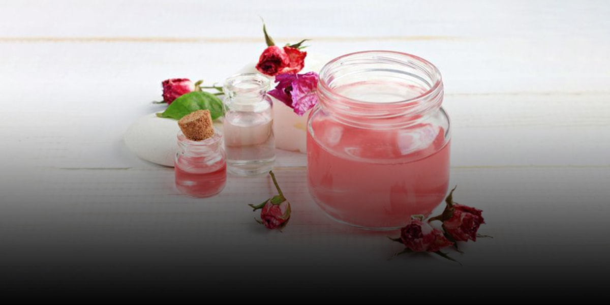 5. The different applications of rose water-min