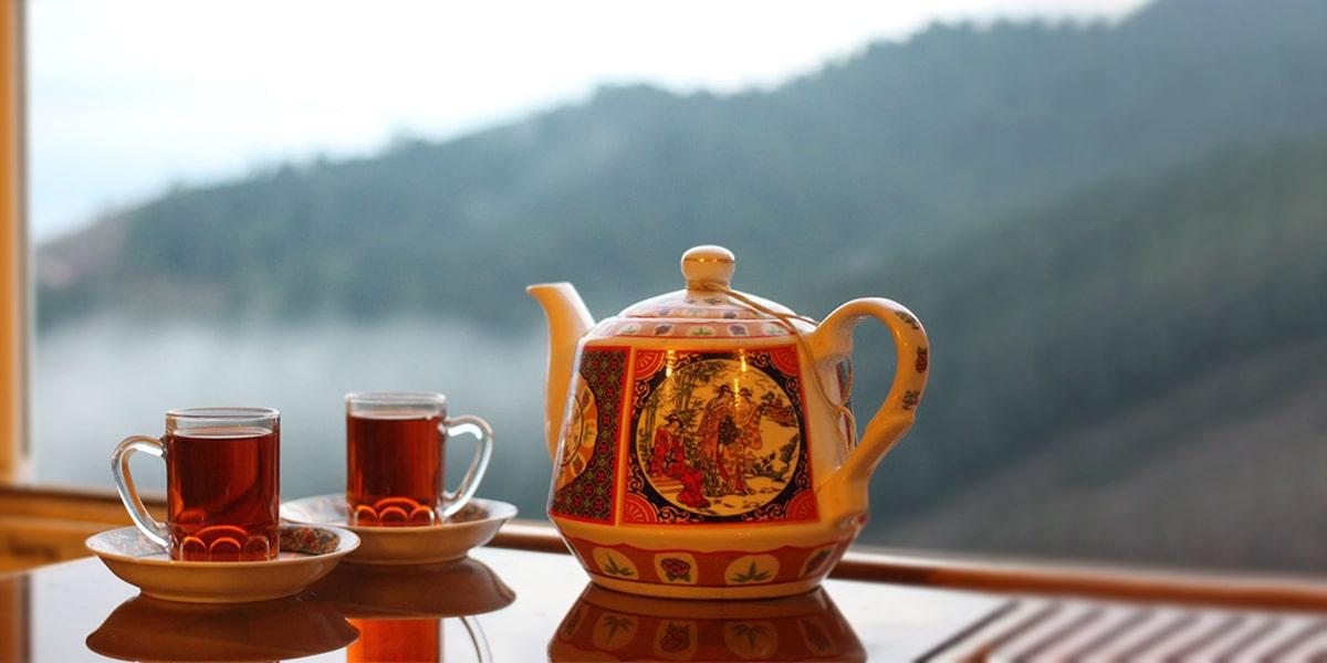 Persian Tea in a nice view-min